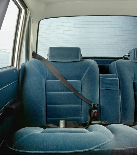 cinturón de seguridad de tres puntos anclaje