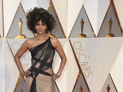 Oscars 2017: ¡Sorpresa! Halle Berry apuesta por el cabello al natural