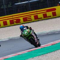 Adrián Huertas gana su segunda carrera del año en Misano y recupera el liderato de Supersport 300