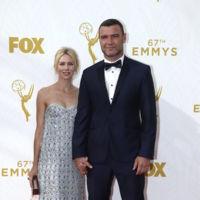 Naomi Watts pone el punto chic a la alfombra roja de los Premios Emmys 2015