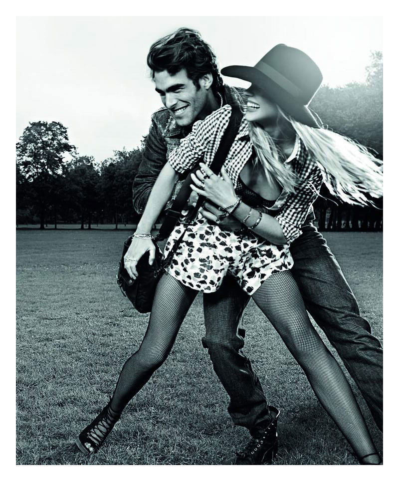 Foto de Pepe Jeans, campaña Primavera-Verano 2010: con Jon Kortajarena y Anne Vyalitsyna (4/5)