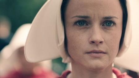 Ya está aquí el primer teaser de 'El cuento de la criada', la serie que estamos esperando como agua de mayo (o abril)