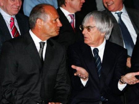 Ron Dennis acusa a Bernie Ecclestone de robar a los equipos la Fórmula 1