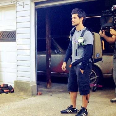 Taylor Lautner ya no es un 'lobo solitario', ¡que se nos ha enamorado!