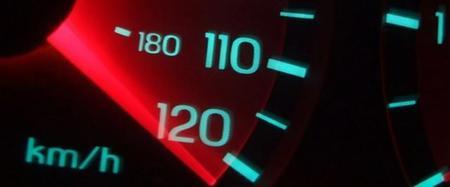 La Unión Europea podría ordenar instalar limitadores de velocidad en todos los vehículos