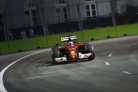 Fernando Alonso, quinto en Singapur dando guerra