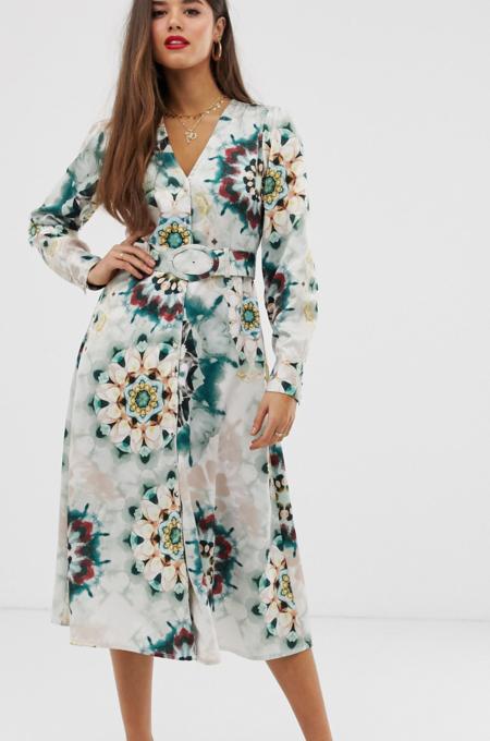 Vestido semilargo con diseño de botones y cinturón en satén de efecto teñido anudado de Neon Rose
