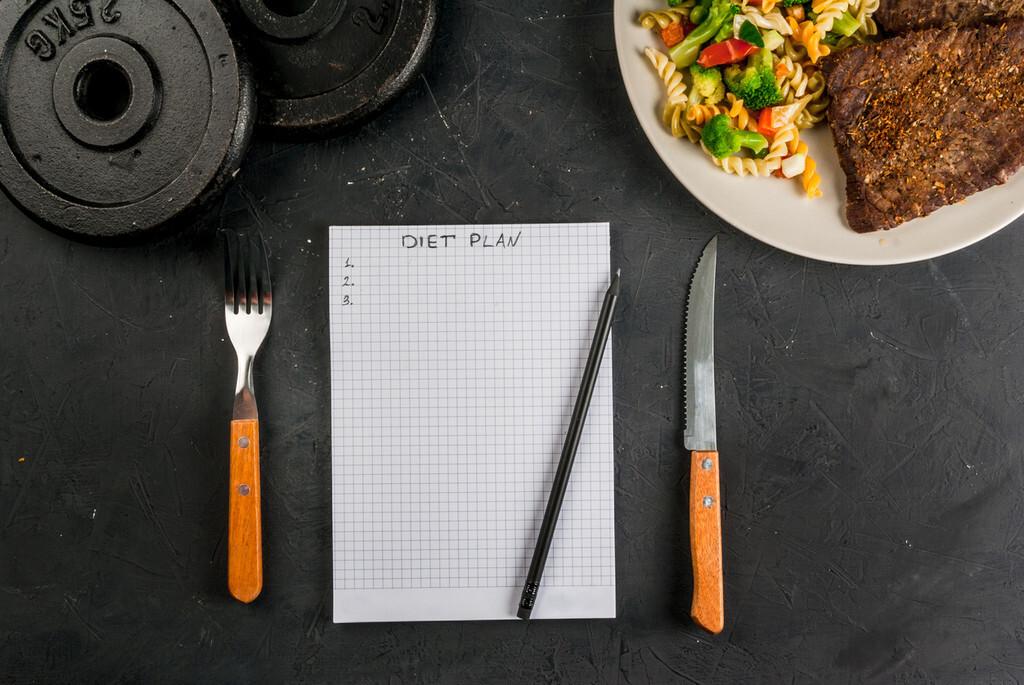 Para perder peso: ¿dietas bajas en hidratos o en grasas?