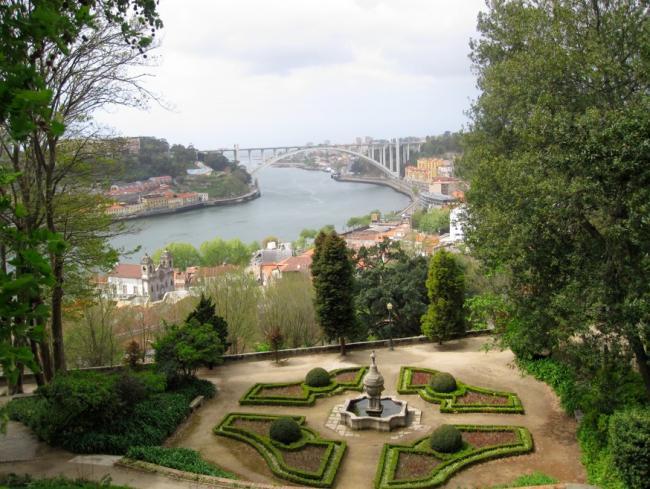 Descubriendo oporto las mejores vistas de la ciudad for Jardines del palacio de cristal oporto