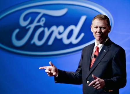 Alan Mulally, CEO de Ford, apunta maneras para ser sucesor de Ballmer en Microsoft