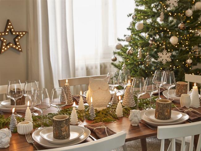Noel Foretscandi Amb Table