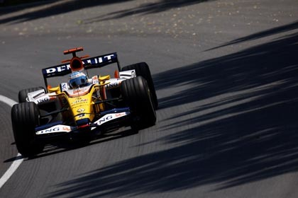 La estrategia acaba con la opciones de podio de Alonso