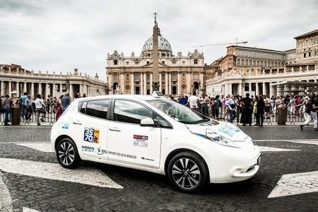 El Nissan LEAF también se estrena en Roma como taxi