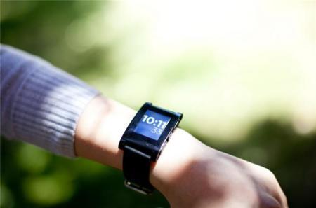 Gestice combina tu Pebble con tu smartphone Android para desbloquearlo