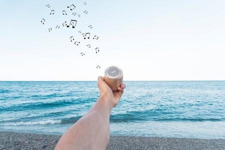 11 altavoces Bluetooth pequeños, para que vayas con la música a todas partes de verdad