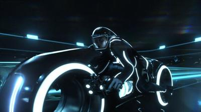 'Tron Legacy' es lo que esperábamos: divertida y espectacular por fuera, floja por dentro