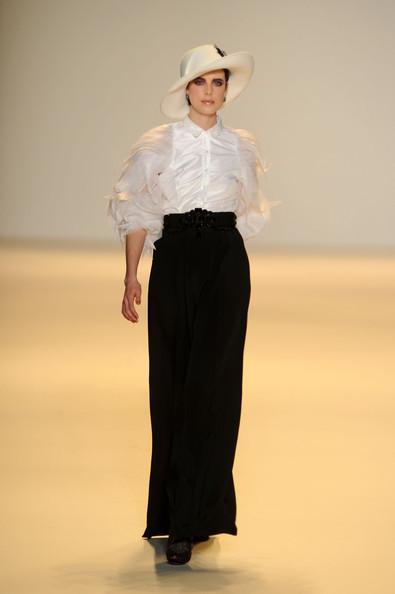 Foto de Carolina Herrera, Otoño-Invierno 2010/2011 en la Semana de la Moda de Nueva York (8/16)