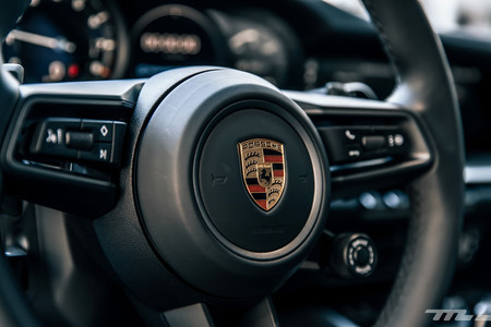 Porsche 911 Carrera S volante detalle