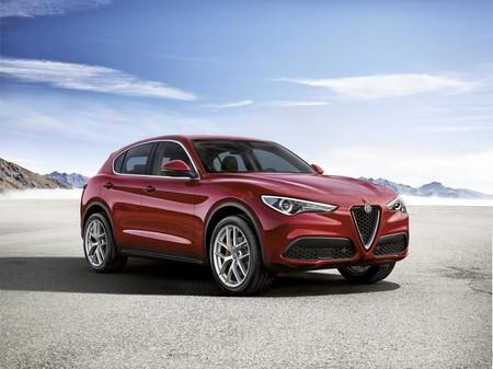 Alfa Romeo Stelvio First Edition: No es un Quadrifoglio Verde, pero igual  emociona