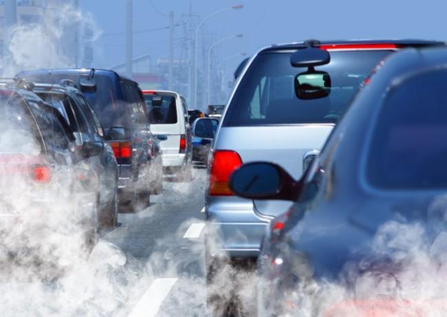 contaminación atasco vehiculos