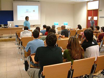 Asistencia a la jornada sobre vídeo y cine digital con Macintosh, en la Universidad Miguel Hernández de Elche
