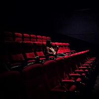 Cinemex ya renta sus salas platino desde los 700 pesos para que tú decidas quién entra a tu función en la nueva normalidad