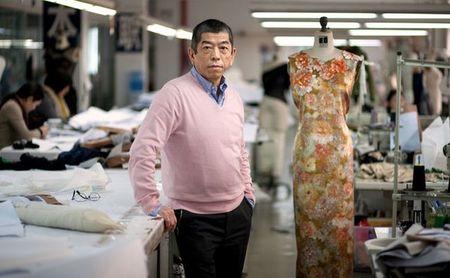 Tadashi Shoji cumple 30 años