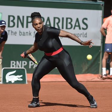 Serena Williams nos sorprende con un mono espectacular en las pistas (y nos hemos emocioando con la explicación)