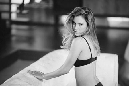 Blanca Suárez más sexy que nunca, repite como imagen de Intimissimi