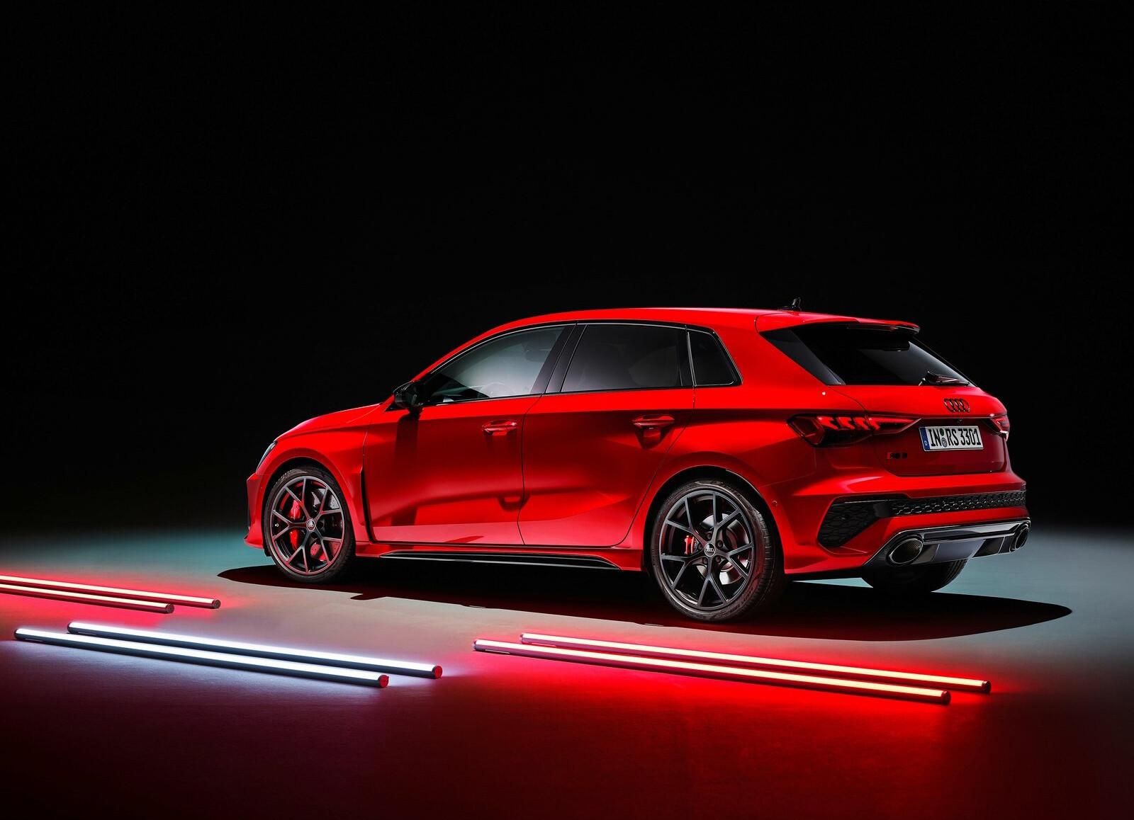 Foto de Audi RS 3 2022 (84/99)
