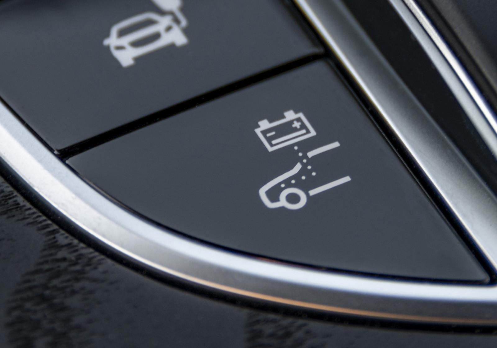 Foto de Mercedes-Benz E 300 de (presentación) (8/47)