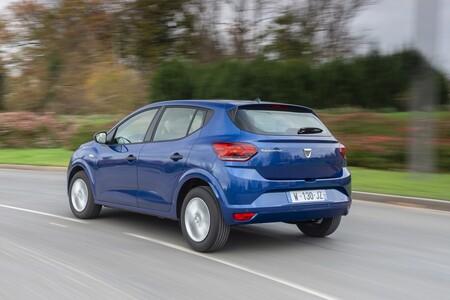 Los coches más vendidos de España en 2020: el Dacia Sandero acaba con el reinado del SEAT León