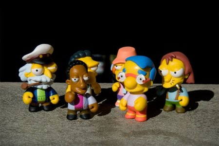 Más muñecos de The Simpsons por Kidrobot