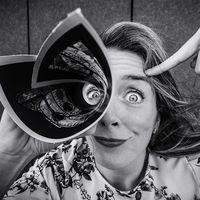 'Todos somos raros',  los expresivos (pero muy reales) retratos de Carlos Mauricio Bernal