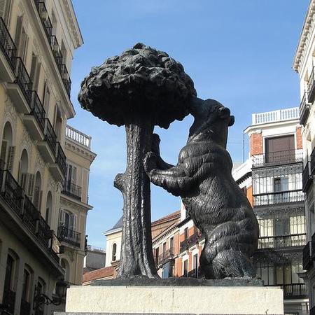 Madrid: el monumento de El oso y el Madroño se muda de lugar