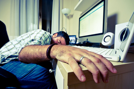 Razones por las que te sientes cansado aún cuando has dormido bien