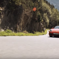 Los Porsche no tienen que ser poco prácticos y el 718 Boxster lo demuestra en este video