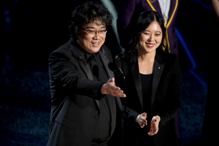Óscar 2020: la traductora de Bong Joon-ho que nos conquistó en la gala prepara una película sobre la temporada de premios