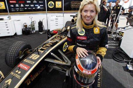 María de Villota más cerca de convertirse en piloto reserva de Lotus Renault GP
