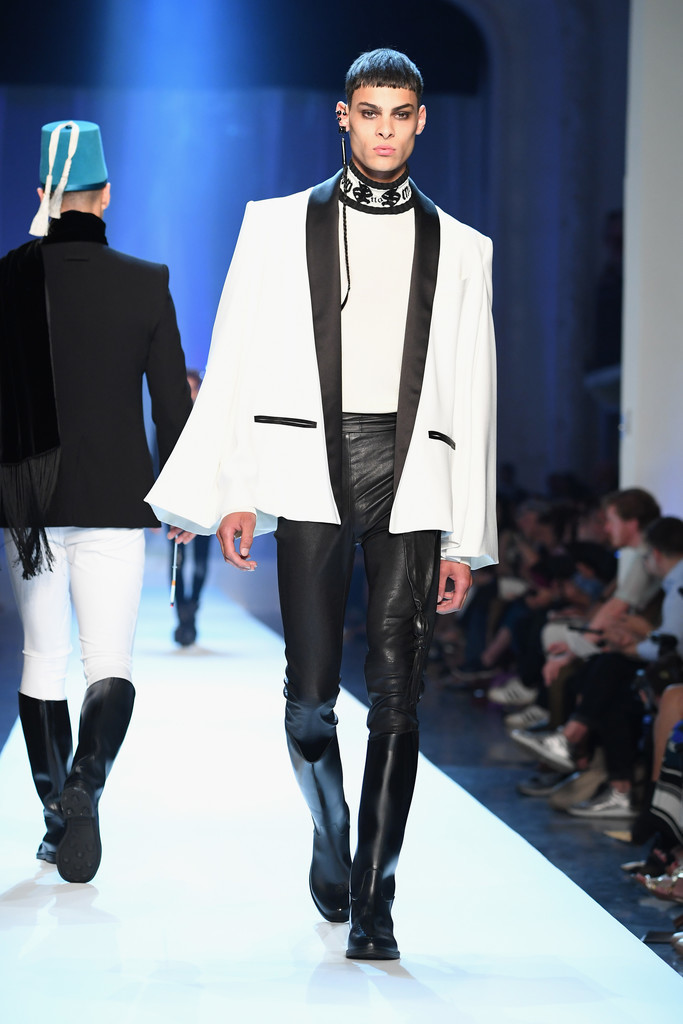 Foto de Jean-Paul Gaultier Fall-Winter 2018 - Paris Haute (6/15)