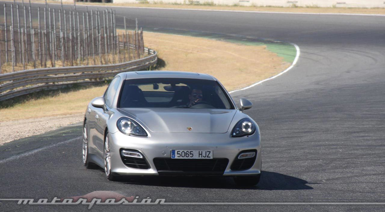 Foto de Porsche Panamera GTS (Prueba) (83/135)