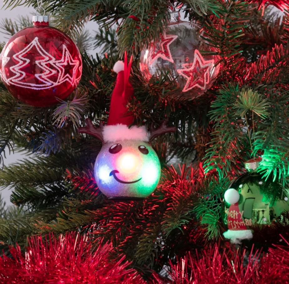 Bola de Navidad de ciervo dorado y rojo Rudy