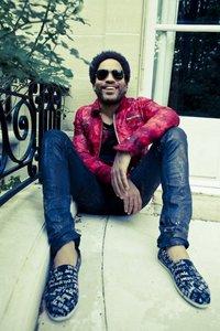 Lenny Kravitz diseña una colección de zapatillas para TOMS