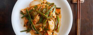 Judías verdes con col china o pak choi: receta de verdura fácil y suculenta