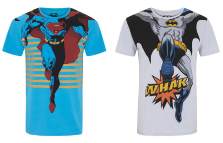 Conviértete en Batman o Superman con estas camisetas de Blanco