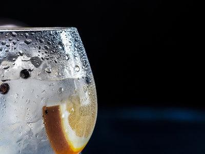 """""""Cardamomo Go Home"""": vamos a calmarnos con el cóctel-ensalada en el Día Mundial del Gin Tonic"""