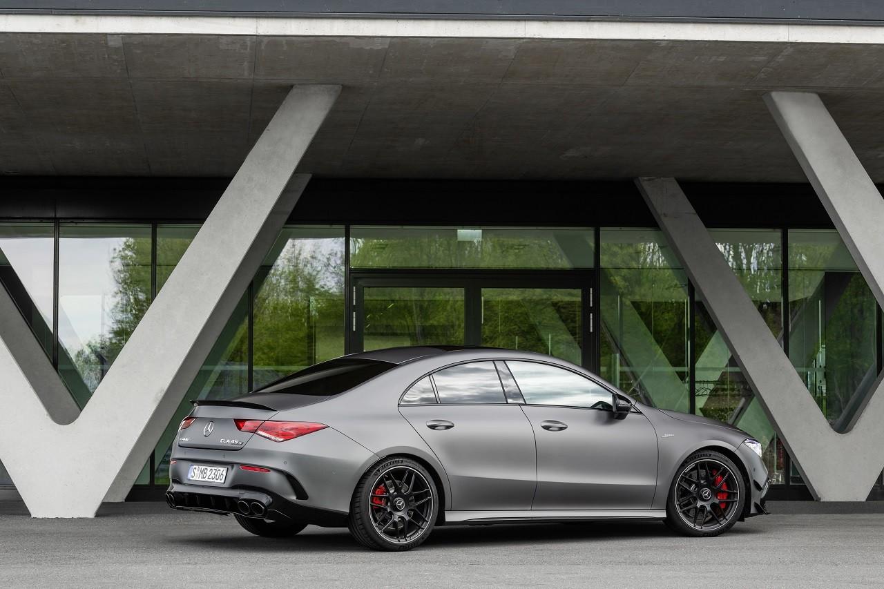 Foto de Mercedes-AMG CLA 45 4Matic (30/38)