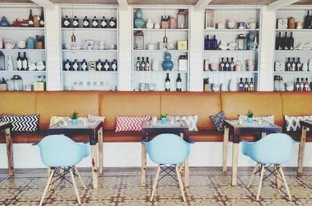 Restaurante Playa Luanco. Aires retro marineros en Asturias