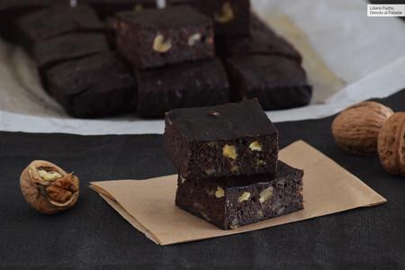 Brownie de plátano con nueces: receta para un jugoso bocado de intenso placer