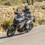 No, no se puede viajar en moto entre provincias durante la Fase 3 (y otras dudas de la desescalada)